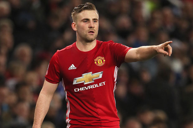 Luke Shaw wants Manchester United to sign new players