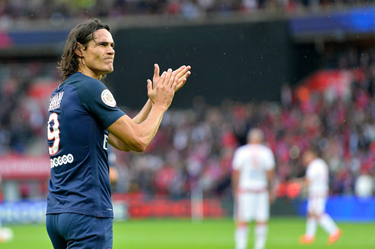 Fans React As Edinson Cavani Takes No 7 Jersey At Manchester United