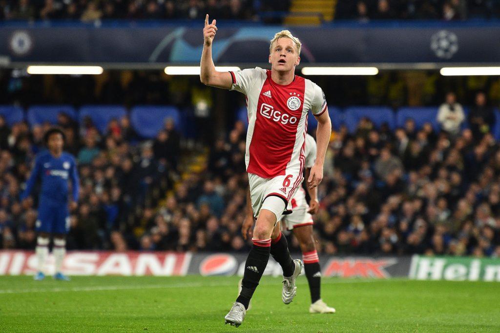Donny van de Beek celebrates after scoring against Chelsea