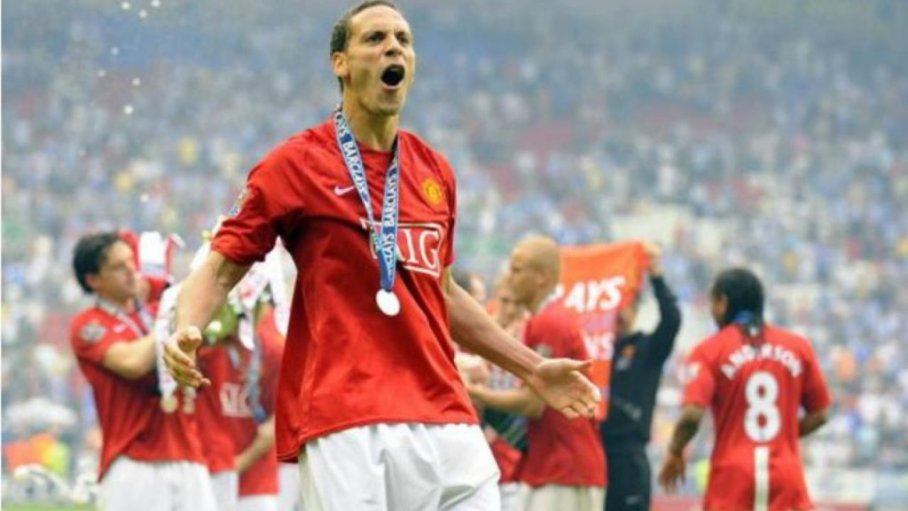 Manchester United fans have reacted furiously to how Ed Woodward handled the departure of Rio Ferdinand from the club.