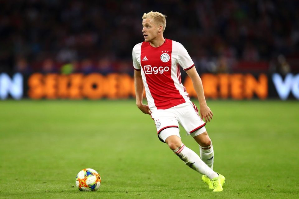 Real Madrid pull out of race for Donny van de Beek amidst Manchester United interest