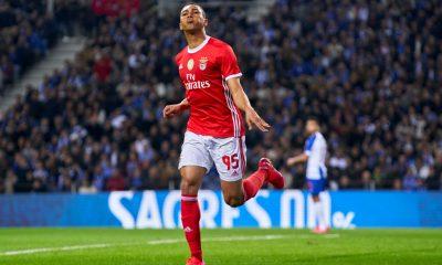 Carlos Vinicius celebrates after scoring (Getty Images)