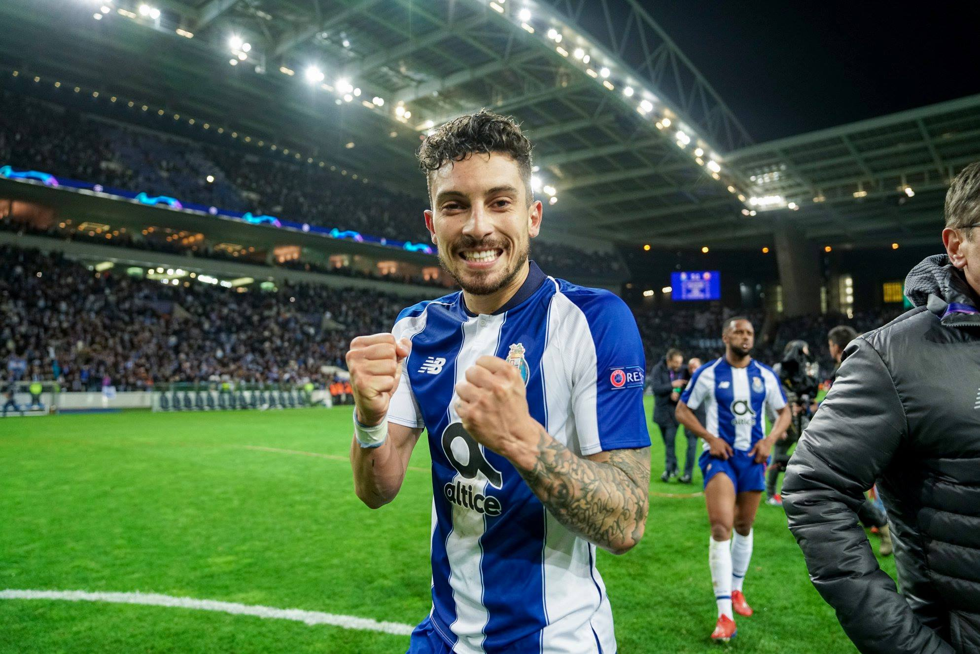 Alex Telles set to be offered to Manchester United