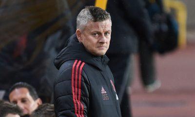 Manchester United star Donny van de Beek decides to stay put
