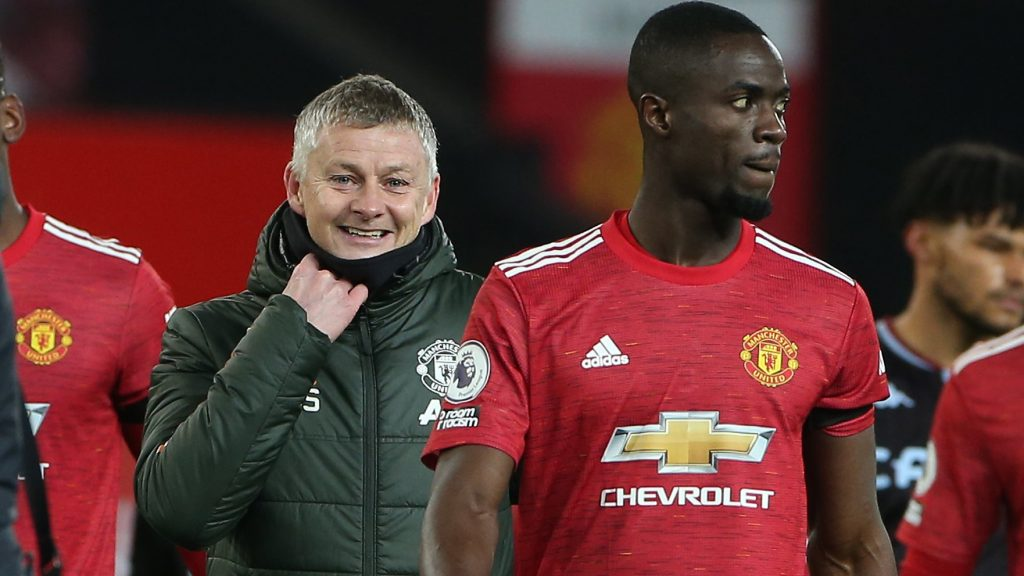 Ole Gunnar Solskjaer (L) and Eric Bailly (R) after the win against Aston Villa. (Image Credits: Manchester United official website/Twitter)