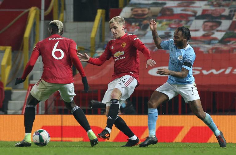 Dutch legend Ronald de Boer has instructed Donny van de Beek to hold crunch talks with Manchester United.
