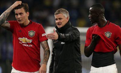 Manchester United boss Ole Gunnar Solskjaer calls out VAR official Jon Moss