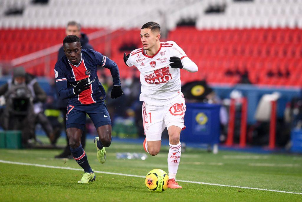 Manchester United are keeping tabs on Brest midfielder Romain Faivre.